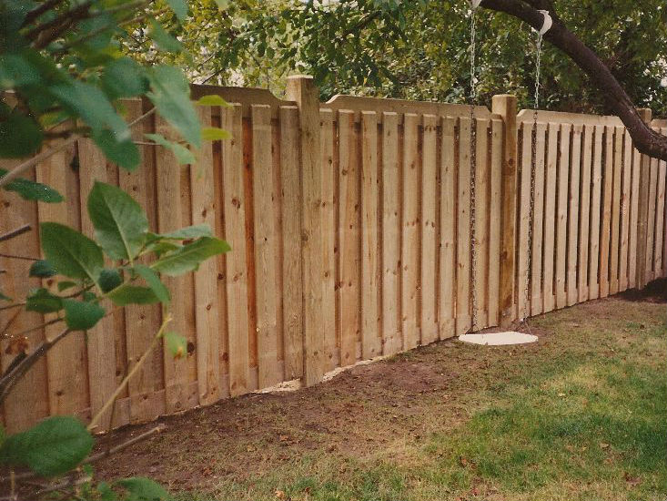 Плюсы и минусы деревянных заборов